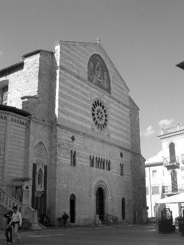 cattedrale_di_san_feliciano1_20090922_1672546754