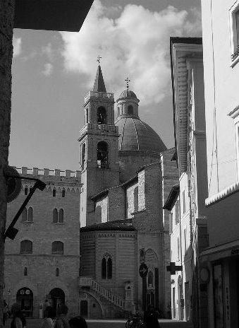 cattedrale_di_san_feliciano3_20090922_1840473750