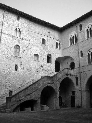 palazzo_trinci1_20090922_1420845523