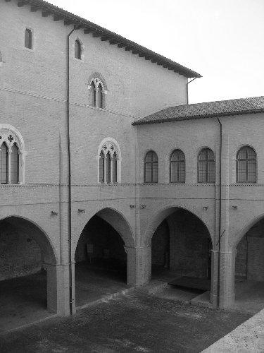 palazzo_trinci2_20090922_1190682726